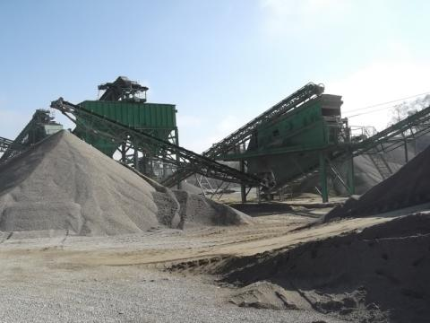 Separation for the production of aggregates for concrete from 0-4, 4-8, 8-15, and from 15-32