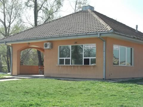 Sales department and a cafeteria for the workers, on the territory of 120 square meters