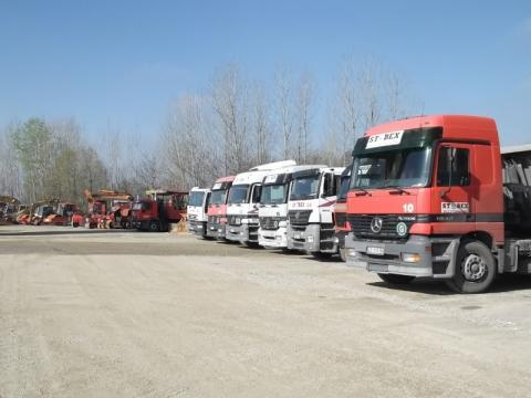 Deo mehanizacije: kamioni i građevinske mašine